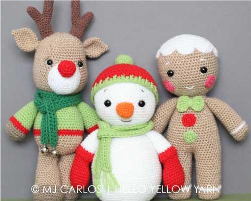 Reindeer amigurumi crochet pattern | Amiguroom Toys | 400x500
