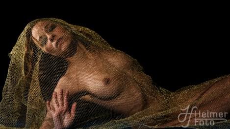 Kreativ nudeshoot i studio