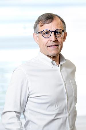 Dr. HElmut Karl Paulus,MsC
