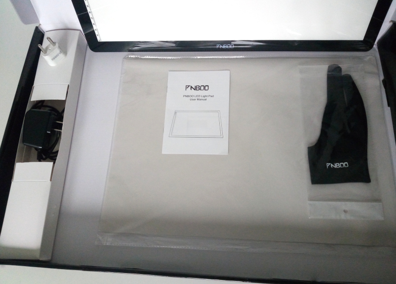 contenu de la boîte de la table lumineuse pnboo A3
