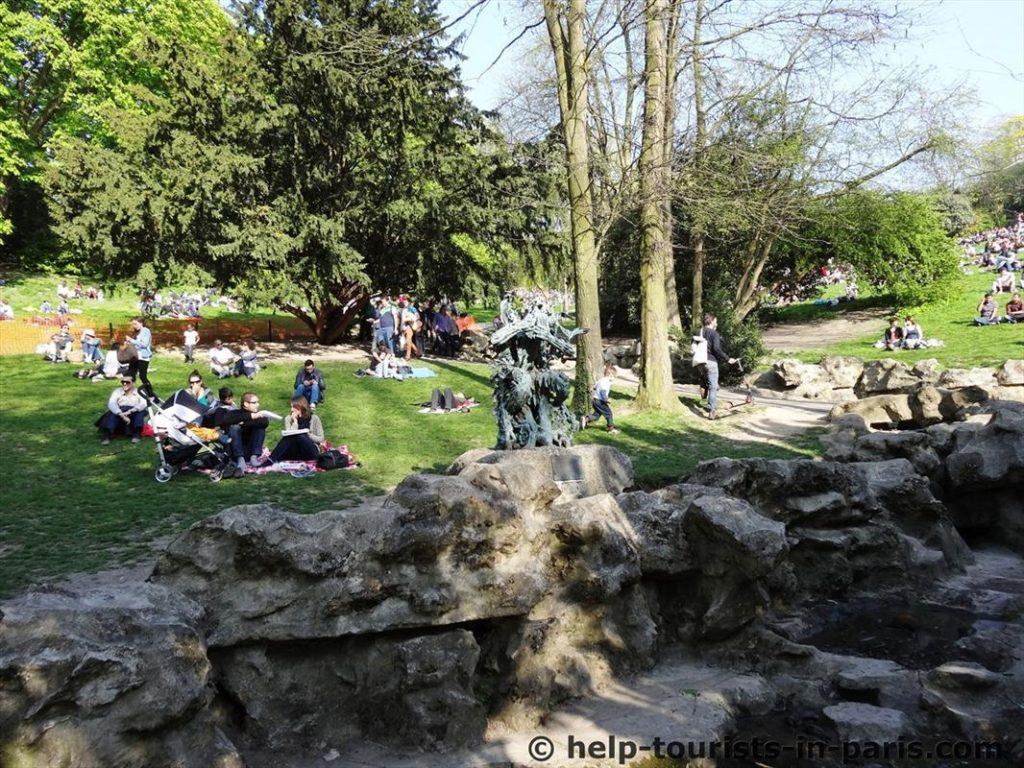 Buttes Chaumont Park in Paris