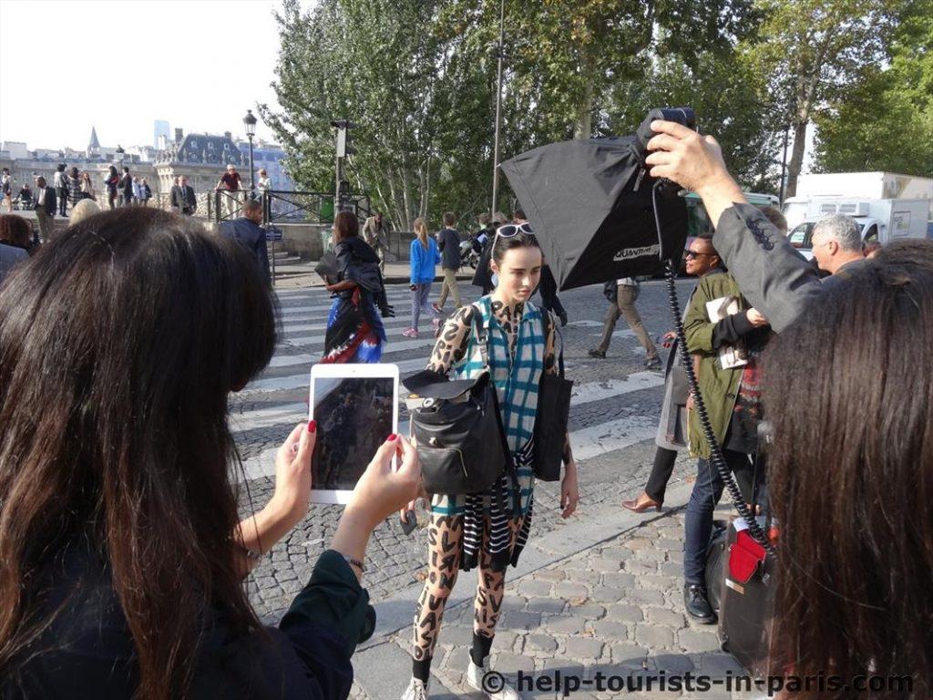 Fashion Week Paris - Ein Model nach der Show