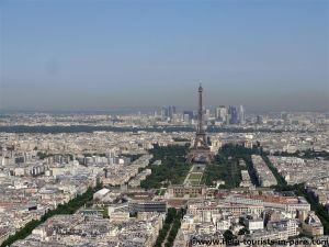 Sicht auf den Eiffelturm vom Tour Montparnasse