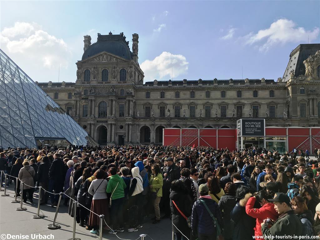Lange Wartezeiten am Louvre