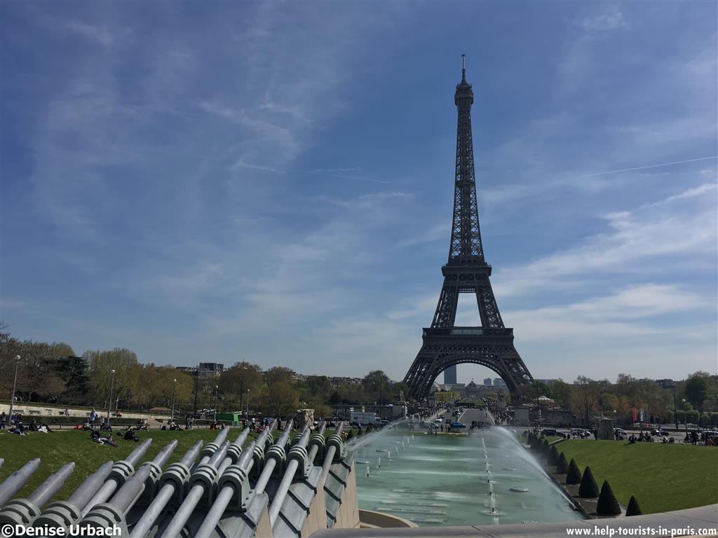 welche gegenst nde sind auf dem eiffelturm in paris. Black Bedroom Furniture Sets. Home Design Ideas
