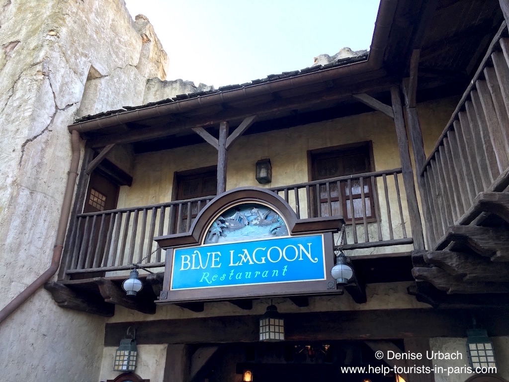 blue-lagoon-restaurant-disneyland-paris