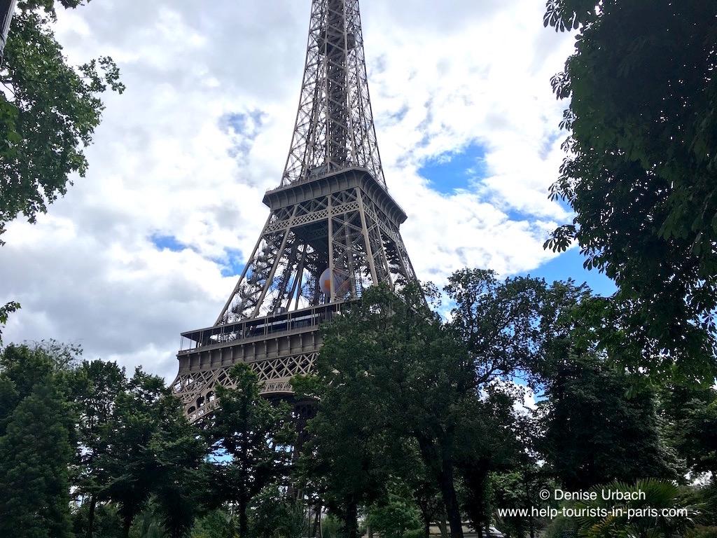 eiffelturm gewicht wieviel wiegt der eiffelturm in paris. Black Bedroom Furniture Sets. Home Design Ideas
