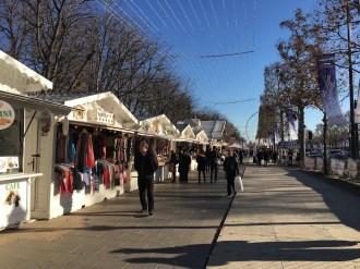 weihnachtsmarkt-paris-champs-elysees