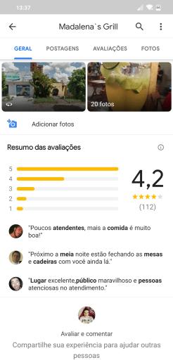 Captura de tela do Google Maps em um smartphone. A tela exibe um resumo das avaliações de pessoas que já frequentaram um restaurante incluindo notas e alguns destaques de texto.
