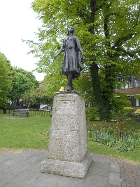 A statue of Pocahontas