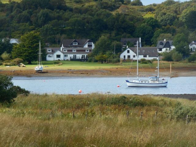 Houses facing onto Seil Sound