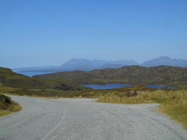 Approaching Loch Dhùghaill