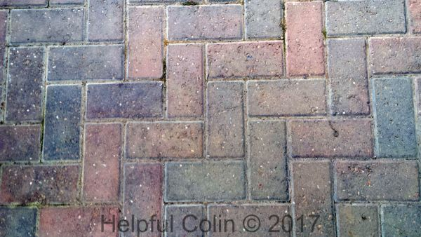 chamfered block paving moss