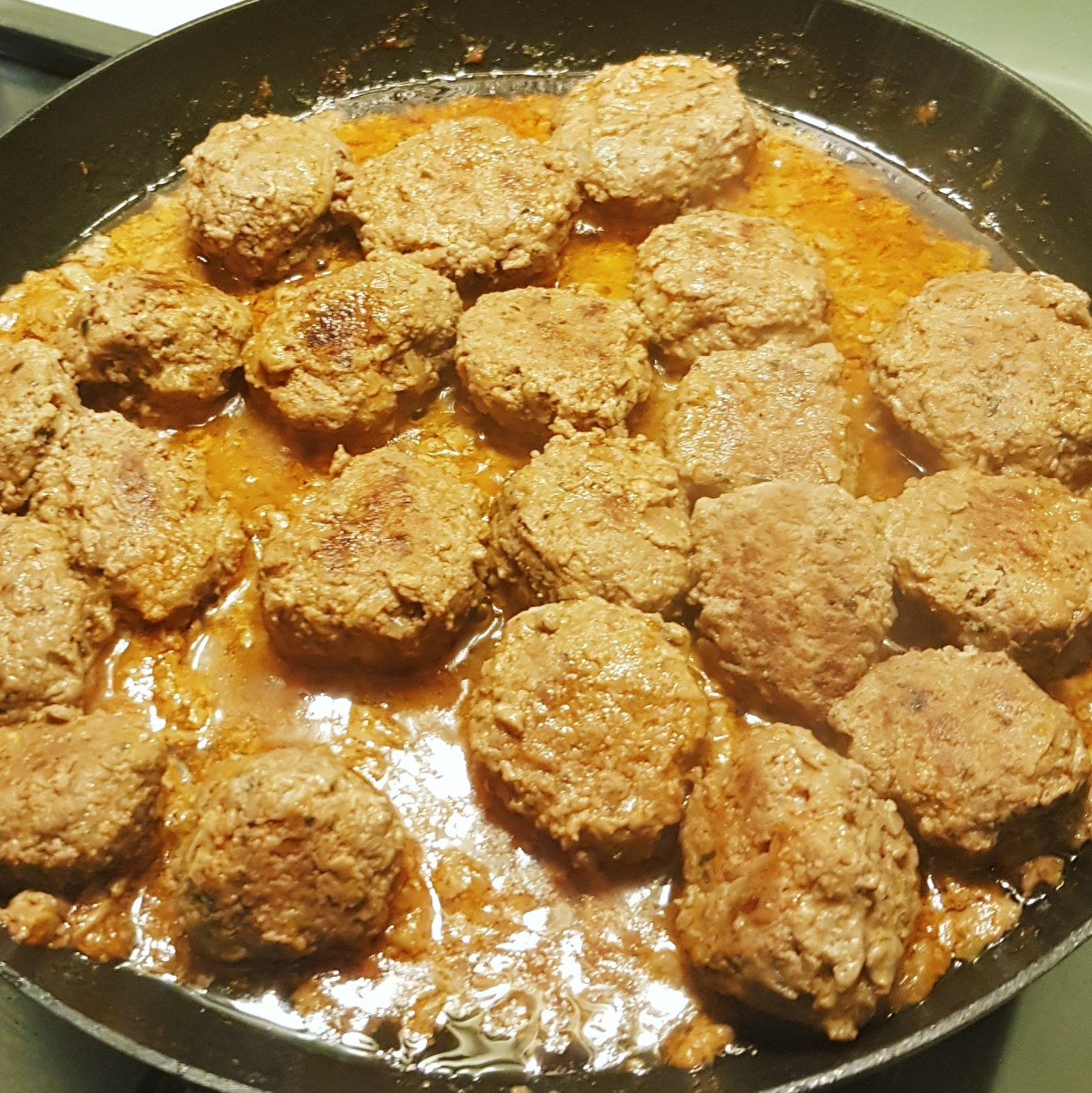 Delicious home-made no carb meatballs with no carbs.