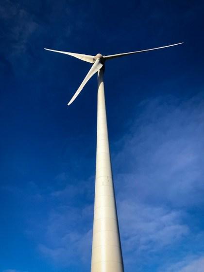 Tuulivoima on ympäristöystävällistä sähköä.