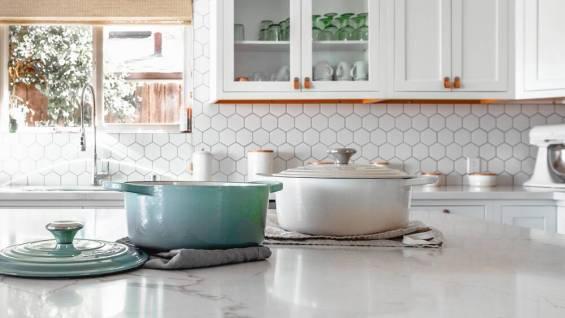 marmori-keittiö-unsplash