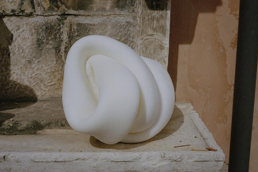 Komfort Skulptur by Tine Bek