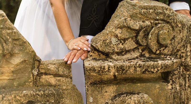 Kishantos-esküvőhelyszín-lakodalom-ceremónia-Kishantosi kastély-Fejér-rendezvény-konferencia-fenntarthatóság-vidékfejlesztés-egészséges életmód-bio-öko-falusiturizmus-vegyszermentes-bio élelmiszer-rendezvényhelyszín-konferenciahelyszín-kemence-grillterasz-esküvő