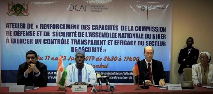 Le présidium lors du lancement des travaux de la formation des députés sur le renforcement des capacités ce mardi 11 juin 2019 © Boureima Balima/HA