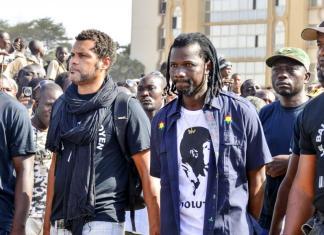 Des membres de l'association Balai citoyen dans les rues de Ouagadagou © Rfi/ HA