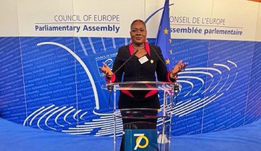 La députée Aïchata Cissé Chato lors de son intervention ce 3 octobre au conseil européen à Strasbourg © Compte twitter Aïchata