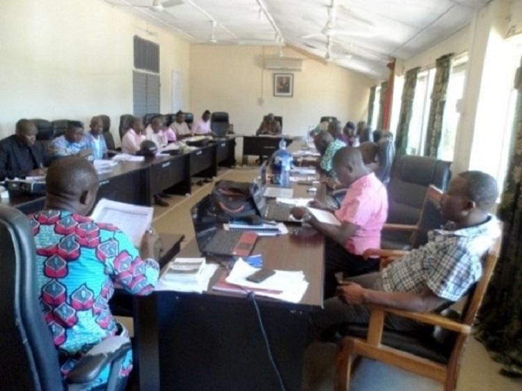 Des conseillers communaux lors de l'étude et l'adoption de ce plan annuel d'investissement (PAI) ©agence Bénin presse