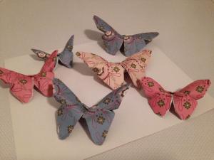 pappersfjärilar