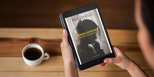 """""""Hemmelighederne der ikke kunne siges"""" af Mie Darell - boganmeldelse - Bogfinken bogblog"""