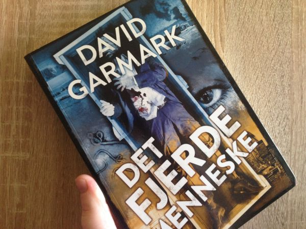 """""""Det fjerde menneske"""" af David Garmark - boganmeldelse - Bogfinken bogblog"""
