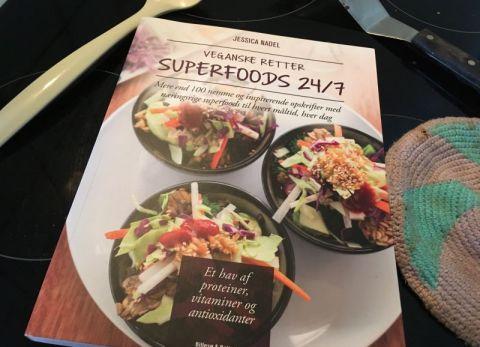 Veganske retter - Superfoods 24/7 af Jessica Nadel - Bogfinkens bogblog