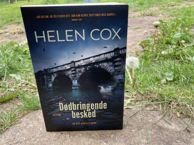 Dødbringende besked af Helen Cox - Bogfinkens bogblog