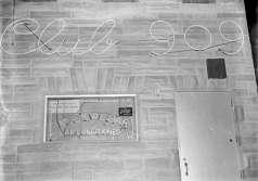 Exterior view of Club 909, Calhoun Street, Baltimore, circa 1951. Paul Henderson, HEN.00.A1-006.
