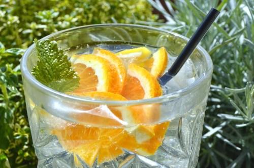 cocktail med hyldeblomst