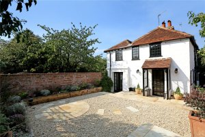 Click here to book Henry VIII Cottage