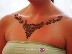 Henna neck piece