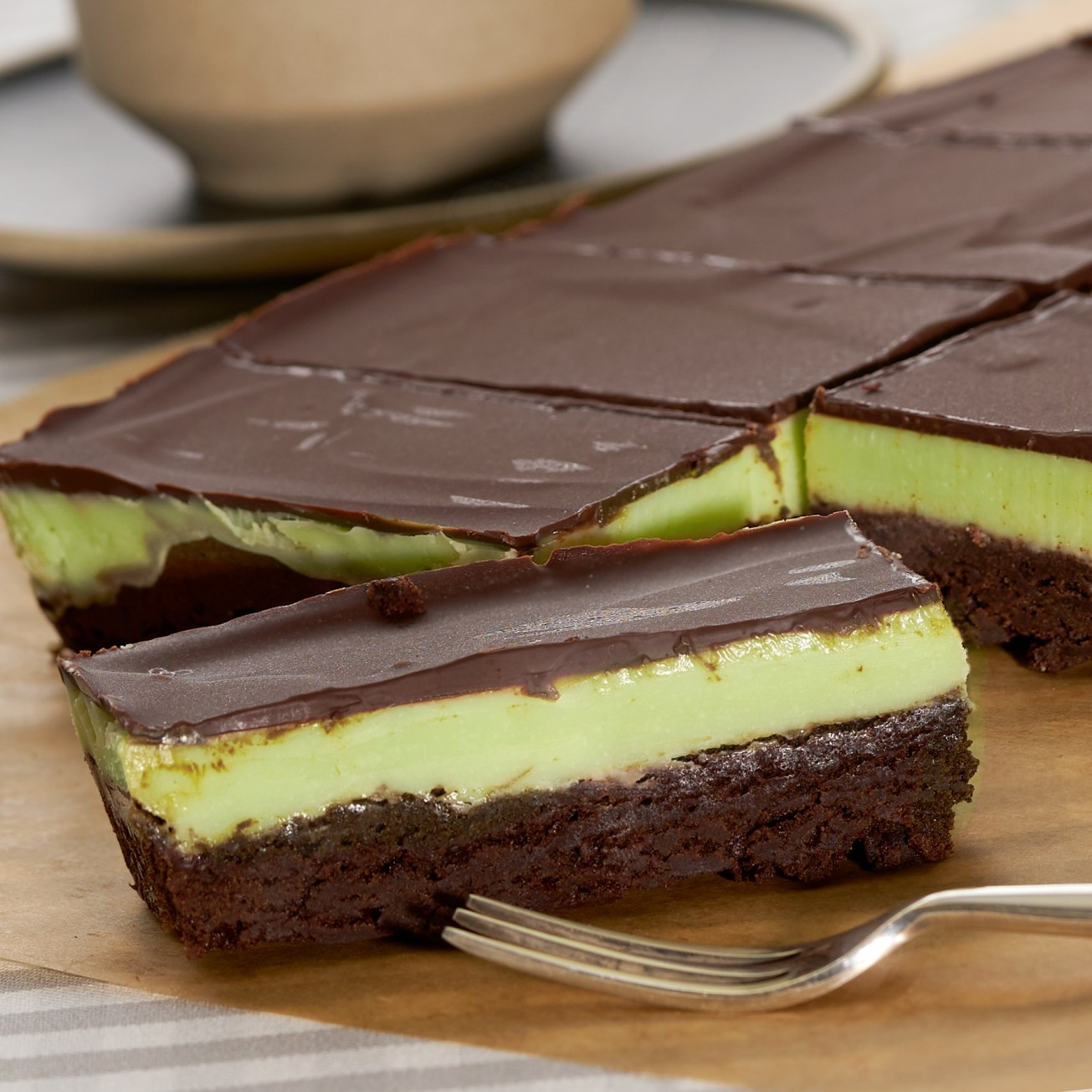 Chocolate cake with mint filling