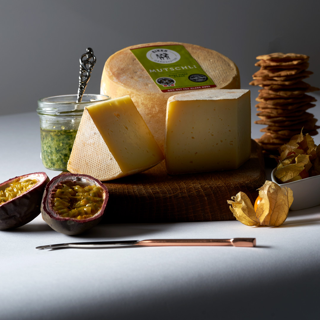 Lifestyle cheese shot for cheese producer