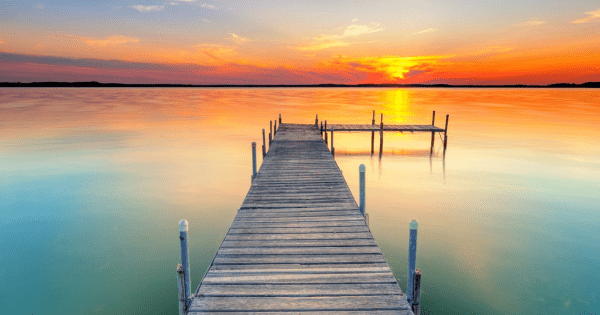 Ready To Move? 3 Reasons You Should Look At Waterfront Property For Sale