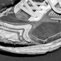 Somliga går med trasiga skor...