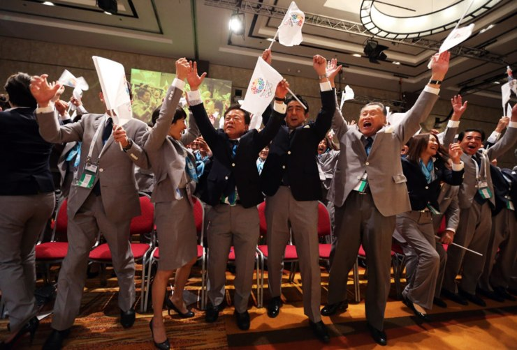 THE TOKYO 2020 DELEGATION CELEBRATES Prime Minister of Japan Shinzo Abe (2R) celebrates with the delegation as Tokyo is awarded the 2020 Olympic Games during the 125th IOC Session in Buenos Aires, Argentina
