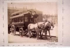 Omnibus, place Saint-Sulpice. Atget, 1898. Source : Gallica/BnF.