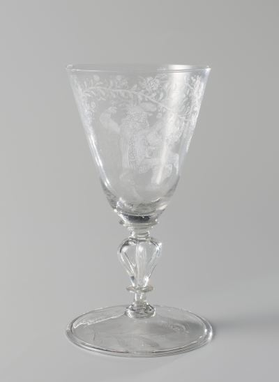 Goblet, Anonymous, Willem Mooleyser, Pieter Nolpe, 1685. 16,4x9,2 cm. Source : Rijksmuseum.
