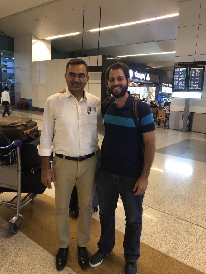 Henry y Coach en India