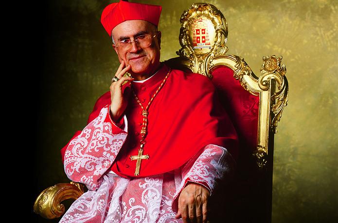 El cardenal Tarcisio Bertone (1) .jpg
