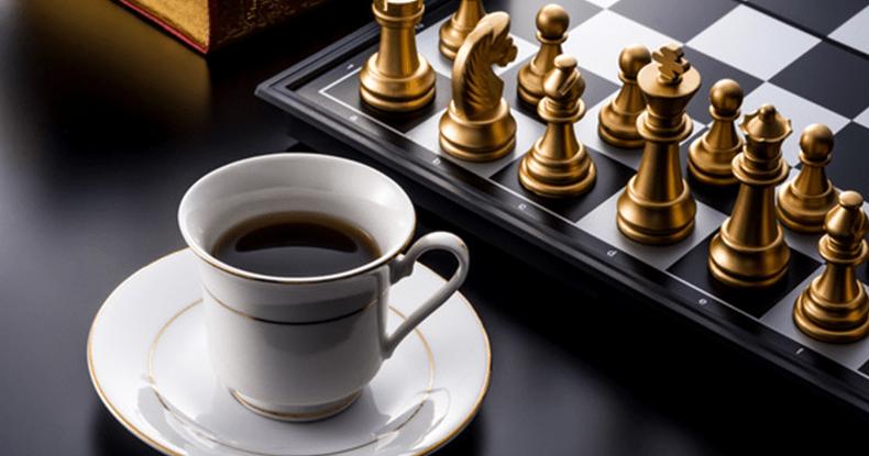 コーヒーとチェスボード