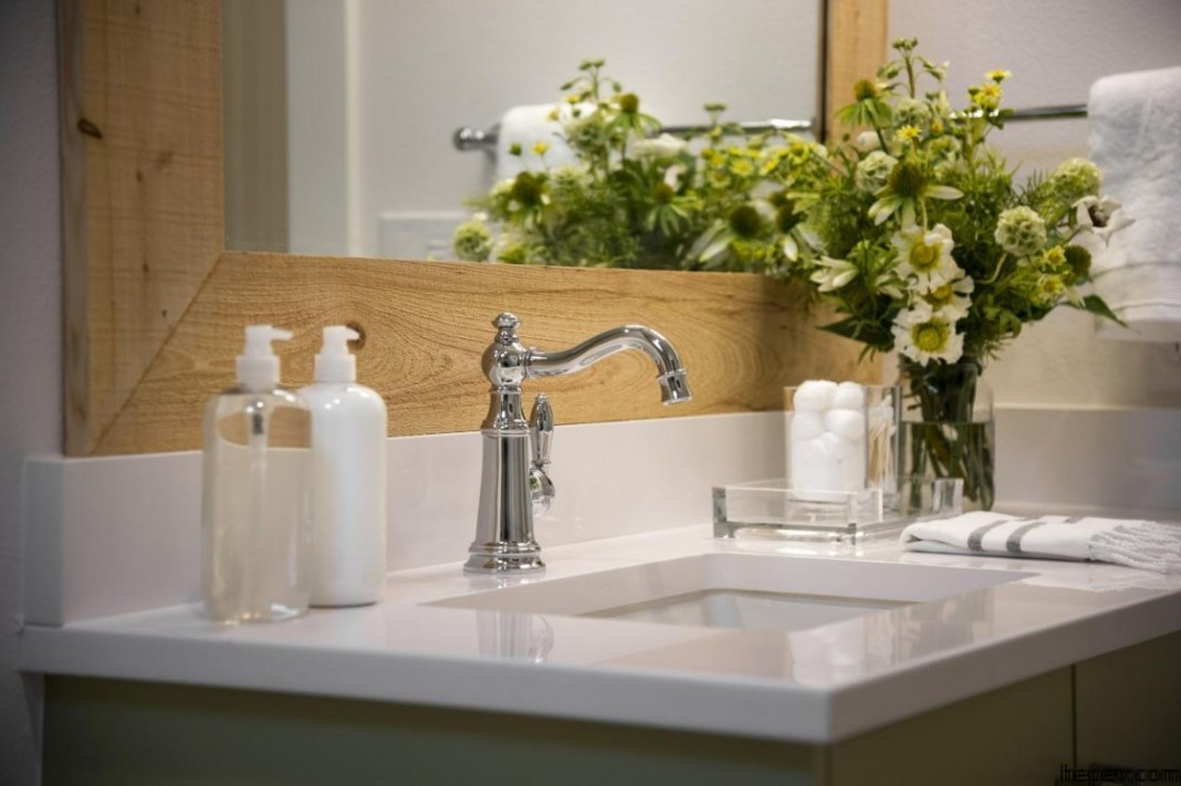 Banyolara Çiçekler