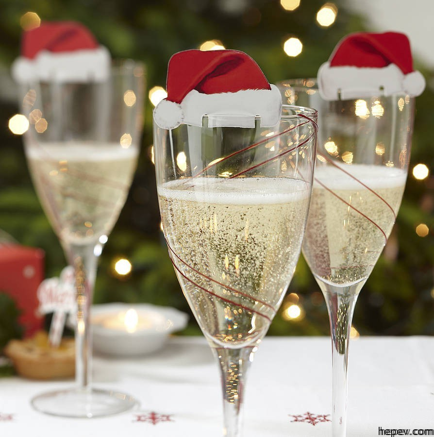 wine glass christmas deco