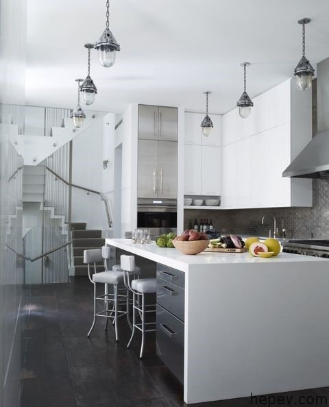 Siyah-Beyaz Severler İçin Mutfak Dekorasyonları