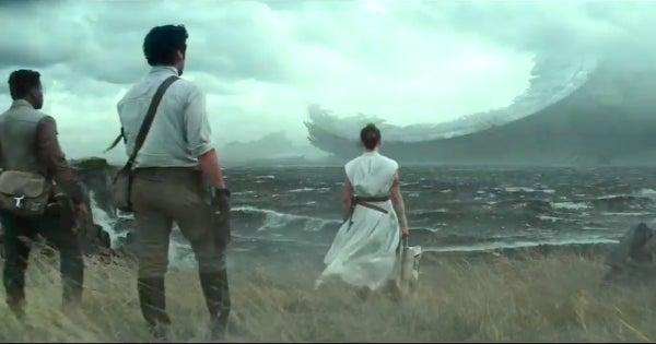 Sinopsis Star Wars The Rise of Skywalker 2