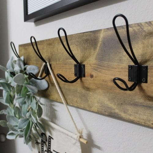 Farmhouse Style: DIY Towel Rack  (Using Scrap Wood!)